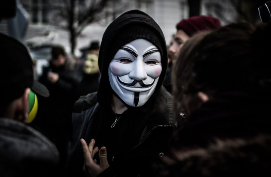 How to remain anonymous on the internet?